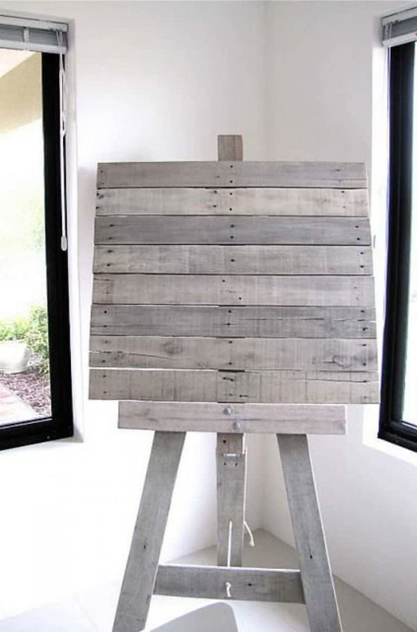 Easel From Recycled Pallet Slats Pallet Wall Decor & Pallet Painting