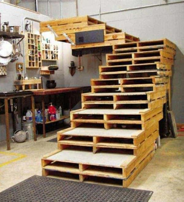 Wide, Sturdy, Attractive Pallet Stairs Pallet Staircases