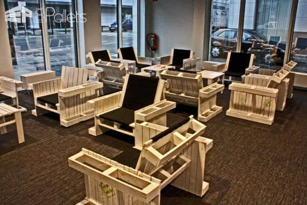 Four Pallets Seat Pallet Benches, Pallet Chairs & Stools