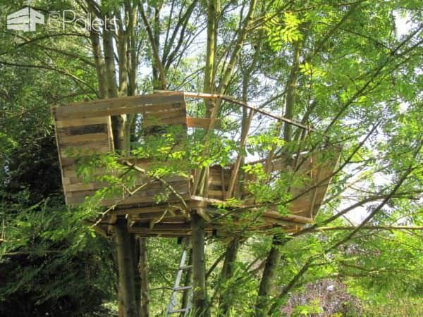 One Day, a Dad Promised His Daughter She Would Get a Pallet Treehouse Fun Pallet Crafts for Kids Pallet Sheds, Cabins, Huts & Playhouses