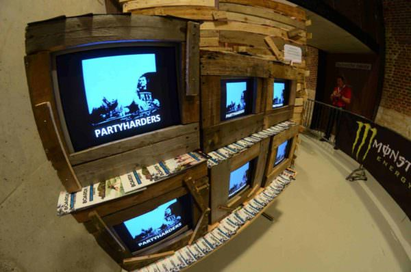 Pallets Beach House TV Pallet Store, Bar & Restaurant Decorations Pallet TV Stands & Racks