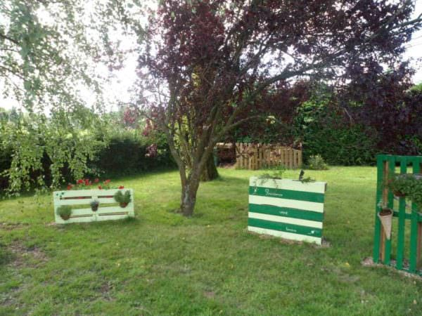 Recycled Pallet as Garden Decoration Pallets in the Garden