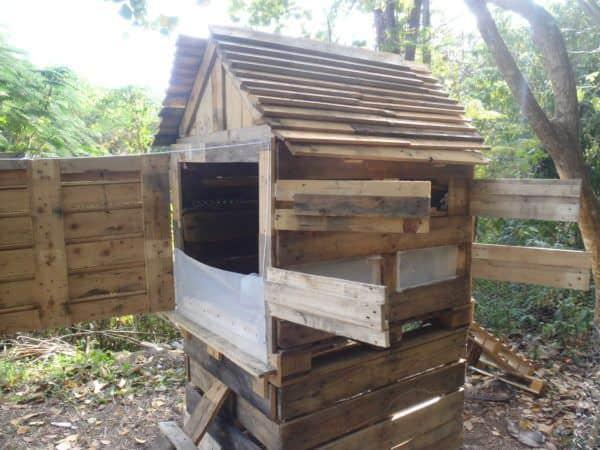Pallet Chicken Coop Animal Pallet Houses & Pallet Supplies