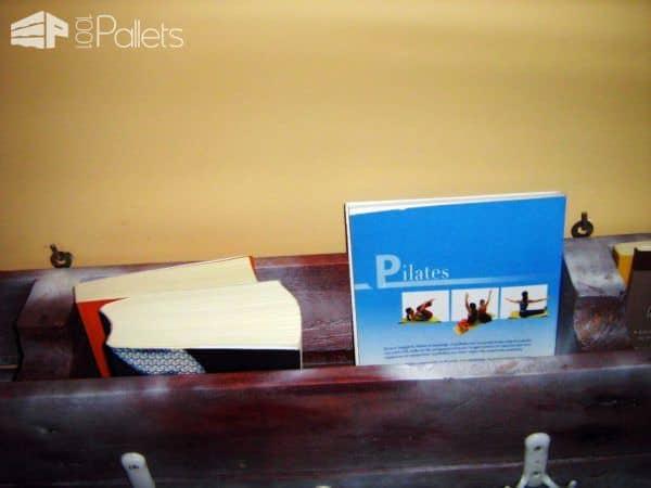 Pallet Coat Rack & Bookshelf (All in One) Pallet Bookcases & Bookshelves Pallet Shelves & Pallet Coat Hangers
