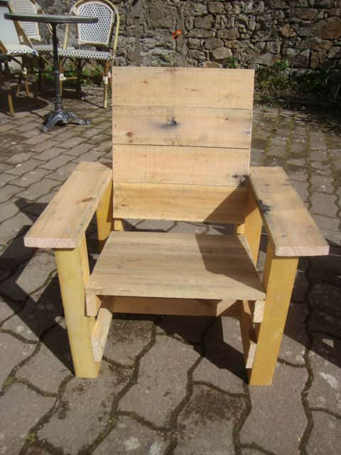 Pallets Garden Chair For Kids Fun Pallet Crafts for Kids Pallet Benches, Pallet Chairs & Stools