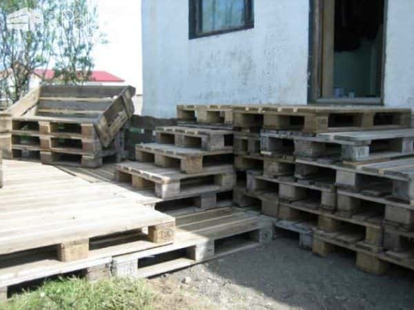 Terrace Made of 163 Recycled Pallets Pallet Terraces & Pallet Patios