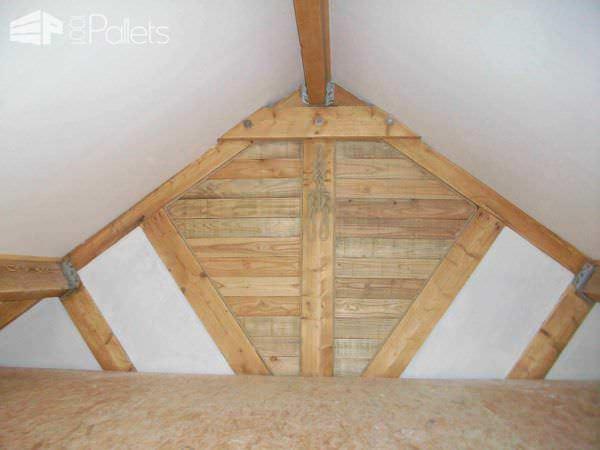 Pallets Wall With Access Door Pallet Walls & Pallet Doors