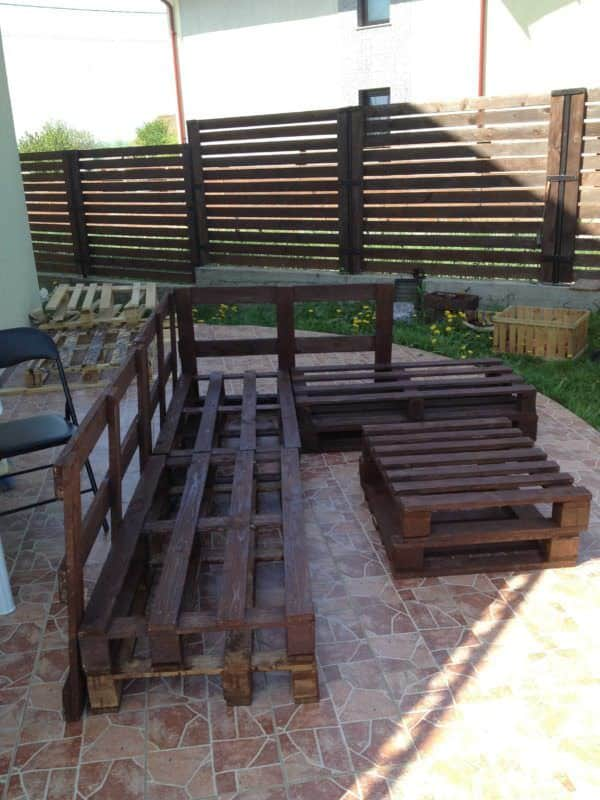 3 Steps To Make This Pallet Sofa Pallet Sofas & Couches