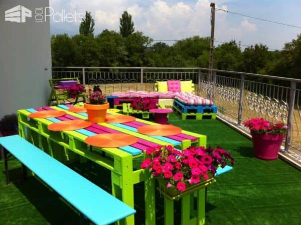 Pallets-land: Colorful Terrace Lounges & Garden Sets Pallet Terraces & Pallet Patios