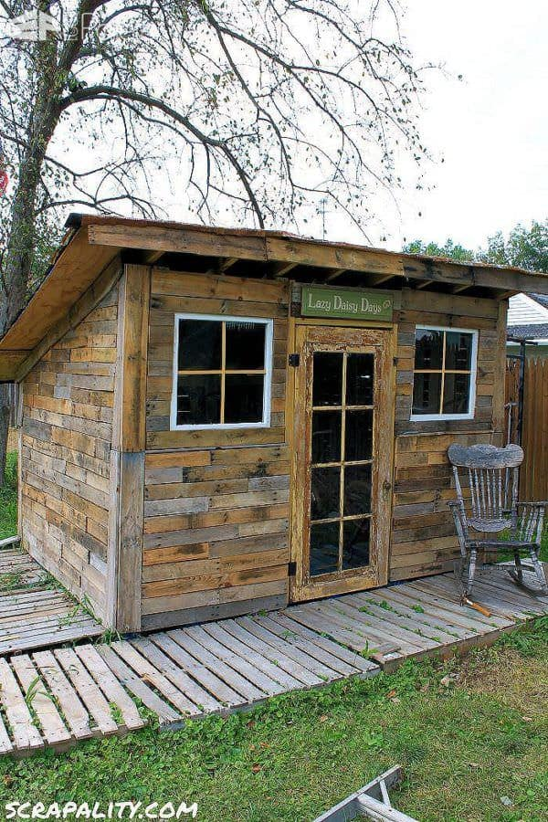 Garden Pallet Shed: Unique Shed Roofed Using Tin Cans Pallet Sheds, Cabins, Huts & Playhouses