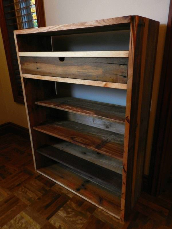 Dresser Made From Recycled Pallets / Commode Faite De Palettes Recyclées Pallet Cabinets & Wardrobes
