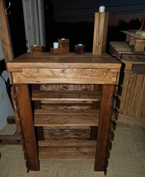 Small Pallet Hutch / Petit Bahut En Palette Pallet Cabinets & Wardrobes