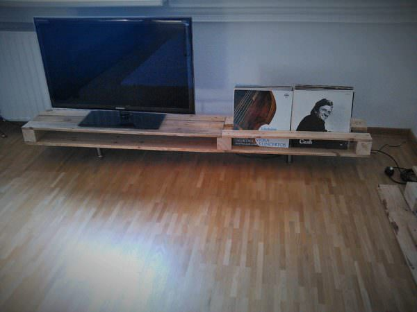Tv Stand Made From One Reclaimed Pallet Pallet TV Stands & Racks