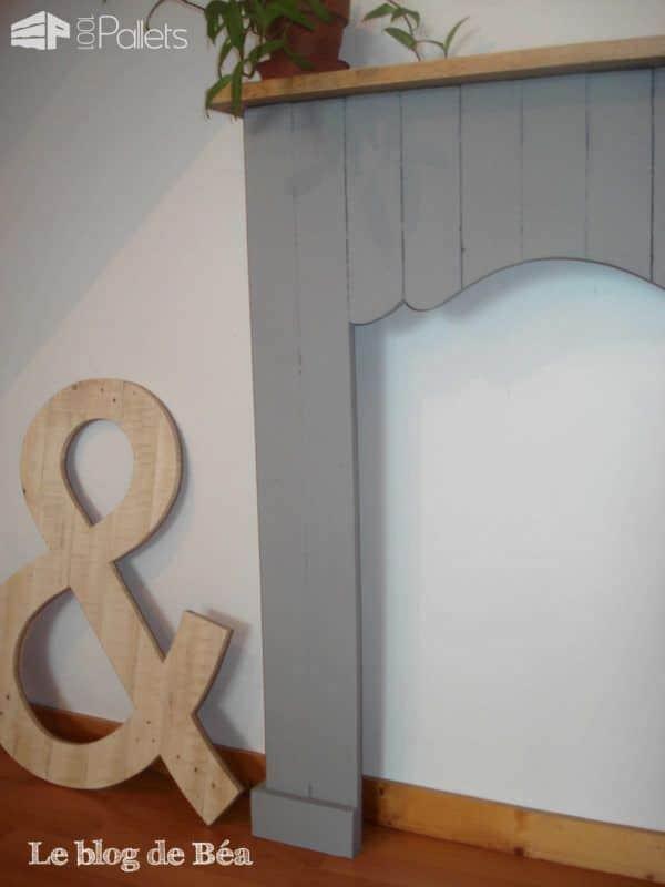 Decorative Fireplace From Pallet Wood / Fausse Cheminée En Bois De Palette Pallet Home Accessories