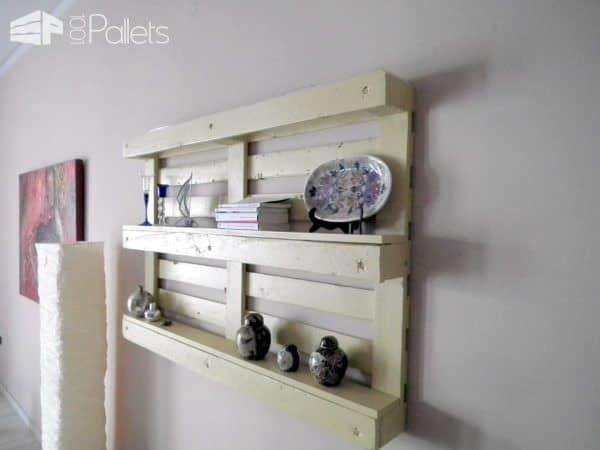 Pallet Bookshelf Pallet Shelves & Pallet Coat Hangers