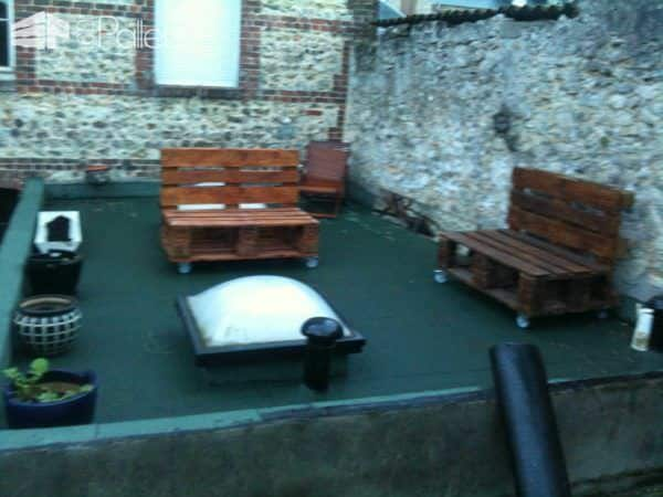 Pallet Lounge for Your Terrace Lounges & Garden Sets