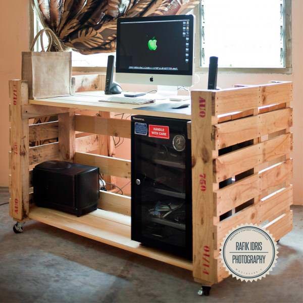 My Rolling Pallet Desk Pallet Desks & Pallet Tables