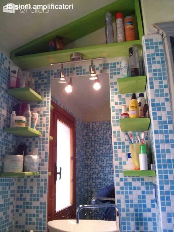 Pallet Bathroom Furniture Pallet Shelves & Pallet Coat Hangers