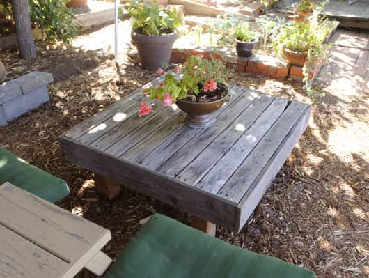 A Refined Pallet Coffee Table Lounges & Garden Sets Pallet Coffee Tables