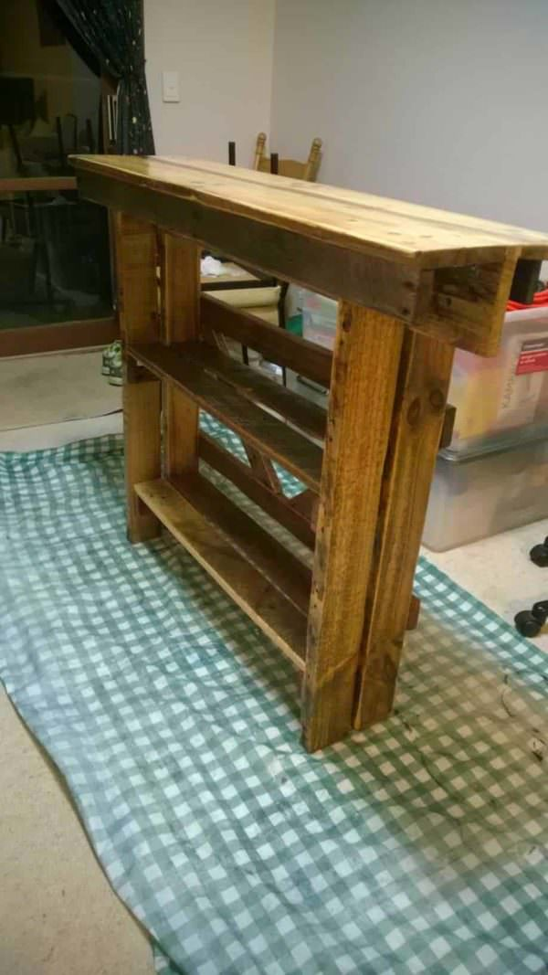 Wall Side Table From Repurposed Pallet Pallet Desks & Pallet Tables