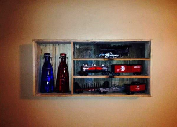 Lionel Shelf For Miniature Trains Pallet Shelves & Pallet Coat Hangers