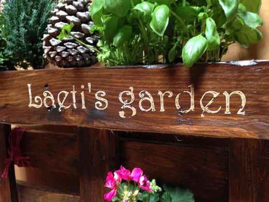 Mini Jardin En Palette / Pallet Mini Vertical Garden Pallet Planters & Compost Bins