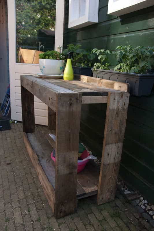 Pallet Potting Bench / Side Table Pallet Desks & Pallet Tables