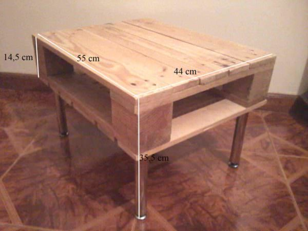 Small Corner Pallet Lamp Table Pallet Desks & Pallet Tables