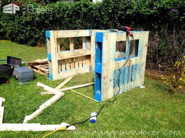 Charming, Inspired Pallet Kids Playhouse Fun Pallet Crafts for Kids Pallet Sheds, Cabins, Huts & Playhouses