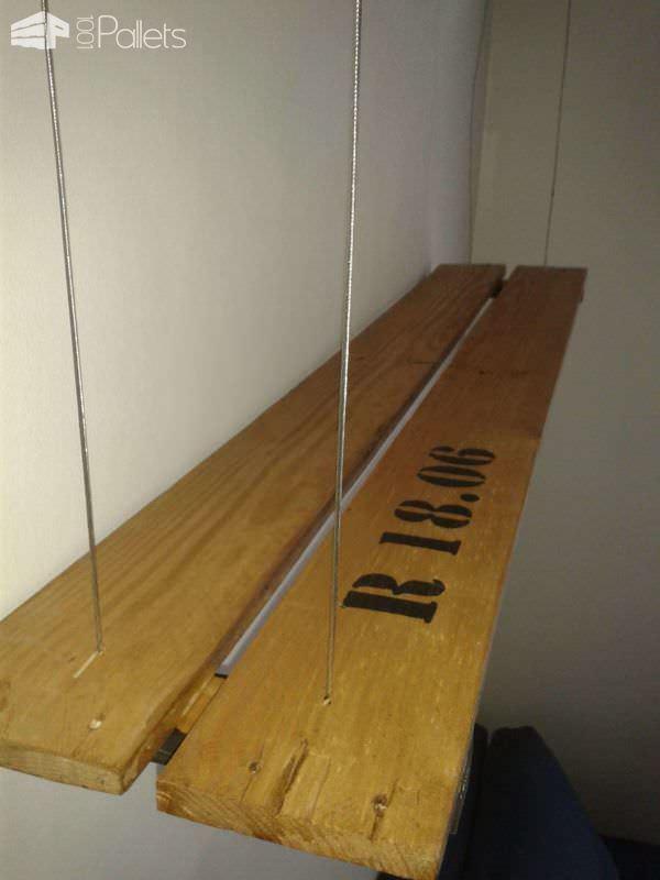 Étagère à Suspension Filaire En Palette / Suspended Pallet Shelves Pallet Shelves & Pallet Coat Hangers