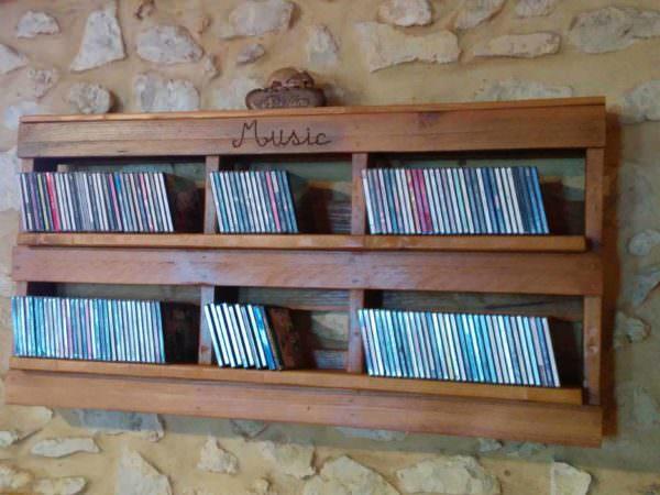 Pallet Cd Shelf Pallet Shelves & Pallet Coat Hangers