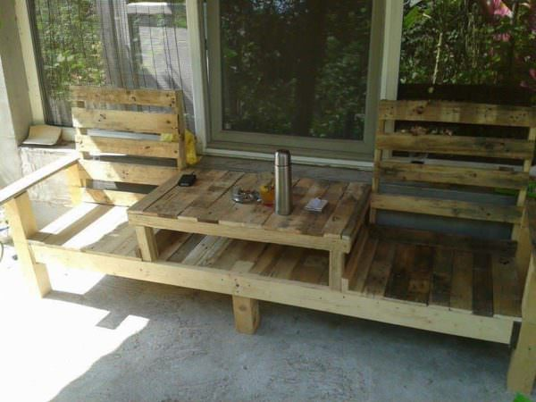 Pallets Table-bench or Bench-table, It's Up To You Pallet Benches, Pallet Chairs & Stools Pallet Desks & Pallet Tables Pallets in the Garden