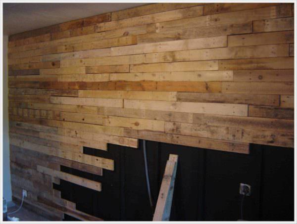 Réalisation D'un Mur En Planches De Palettes / Wall Made Out Of 120 Reclaimed Pallets Pallet Walls & Pallet Doors