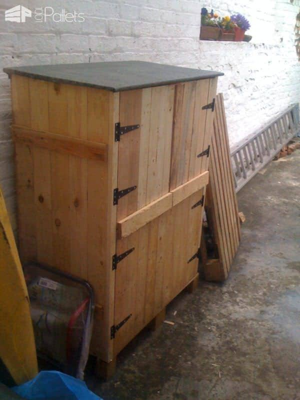Small Tools Shed Made From Recycled Pallets Pallet Cabinets & Wardrobes