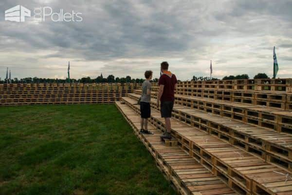 Fire Pit Made Out Of 3000 Wooden Pallets Pallet Floors & Decks