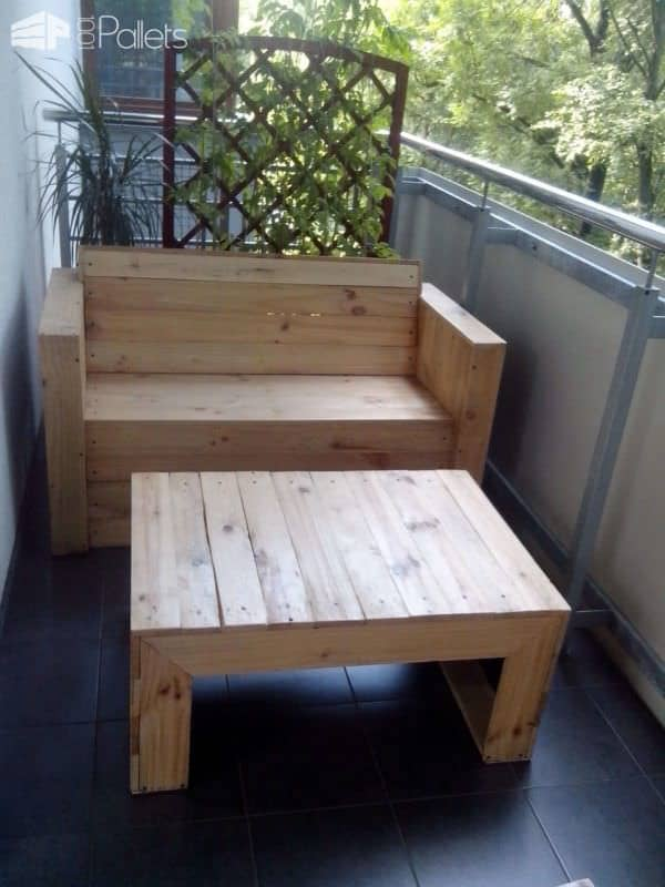 My First Project with Recycled Pallets: Bench, Chairs & Coffee Table Pallet Benches, Pallet Chairs & Stools Pallet Coffee Tables