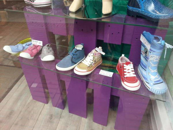 Shoe's Store Pallet Display Pallet Store, Bar & Restaurant Decorations