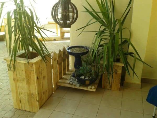 Pallet Planter & Bar Stools Pallet Planters & Compost Bins