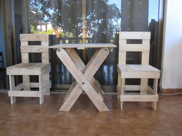 Outdoor Table & Boardgames Set Pallet Benches, Pallet Chairs & Stools Pallet Desks & Pallet Tables