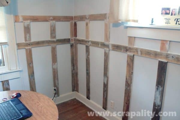 Pallet Wood Wainscoting Pallet Walls & Pallet Doors