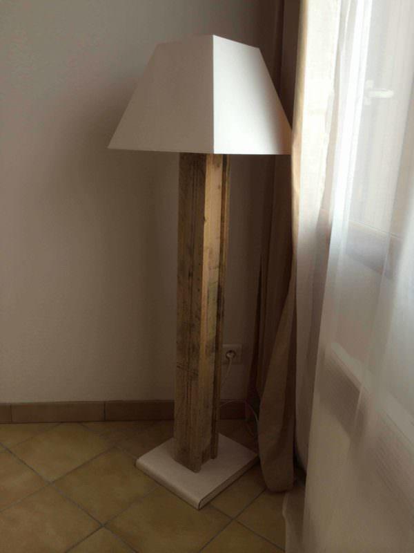 Lampe Design Réalisée Avec Une Palette / Design Pallet Lamp Pallet Lamps & Lights
