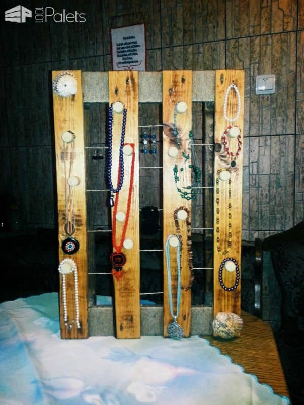 Pallet Jewelry Holder Pallet Shelves & Pallet Coat Hangers Pallet Wall Decor & Pallet Painting