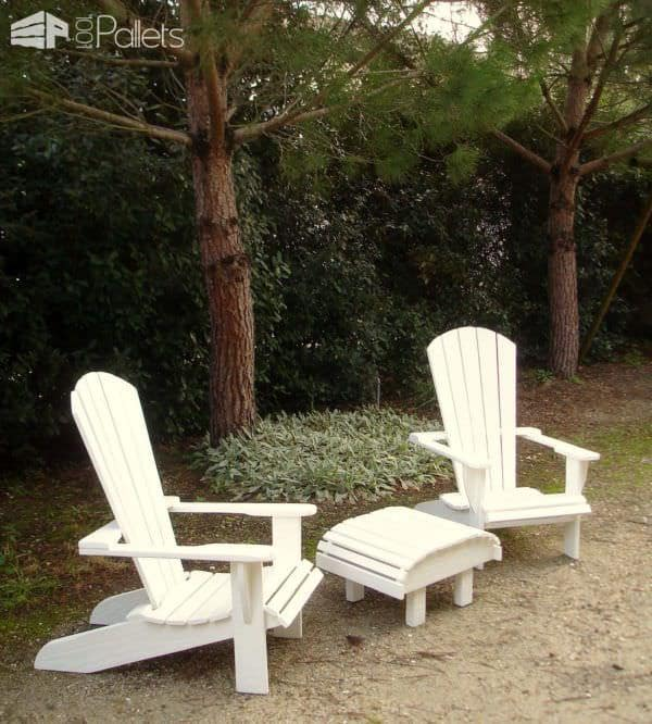 Fauteuils Adirondack Blancs En Palettes Recyclées / White Pallet Adirondack Chairs Pallet Benches, Pallet Chairs & Stools
