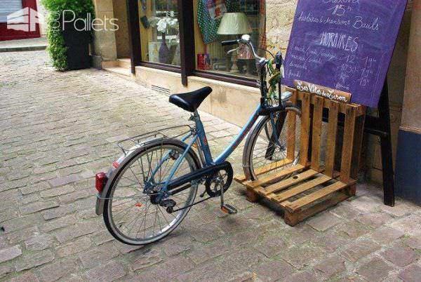 Bike Racks: 16 Ways of Building Your Own Pallet Bike Rack Pallet Terraces & Pallet Patios