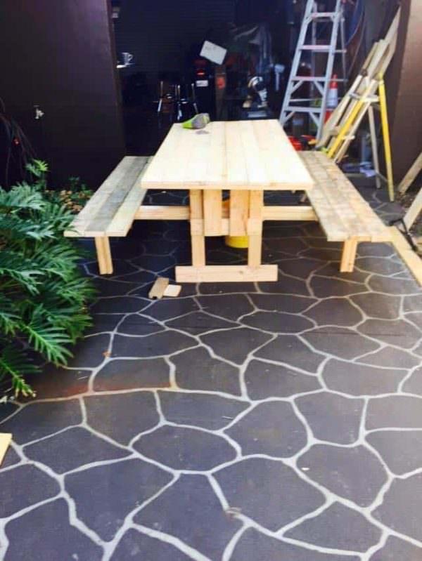 Robby's Pallet Furniture Pallet Desks & Pallet Tables