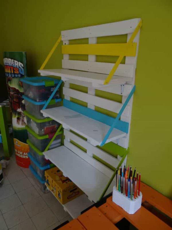 Bibliothèque En Palettes / Colored Pallet Bookshelf Pallet Bookcases & Bookshelves
