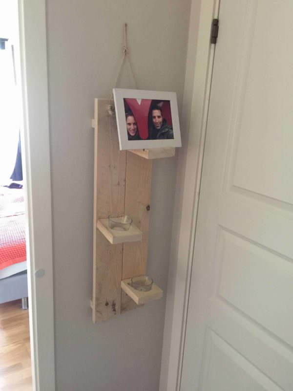 Photo & Candle Holder – 100% Reclaimed Pallet Wood Pallet Candle Holders Pallet Shelves & Pallet Coat Hangers