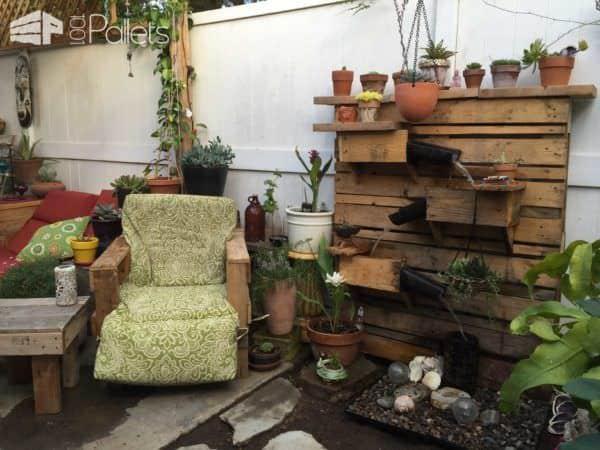 Beautiful Backyard Pallet Fountain Lounges & Garden Sets