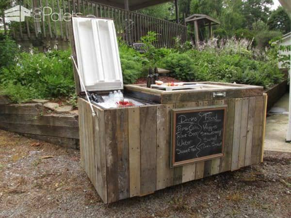 Rustic Cooler From Broken Refrigerator & Pallets Pallet Boxes & Chests