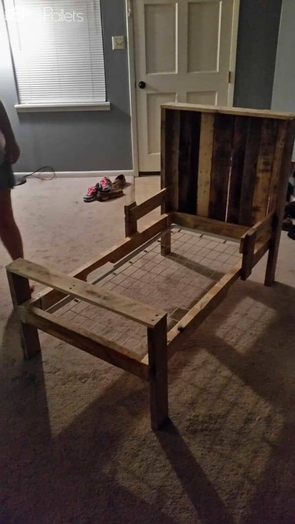 Toddler Pallet Bed Pallet Beds, Pallet Headboards & Frames